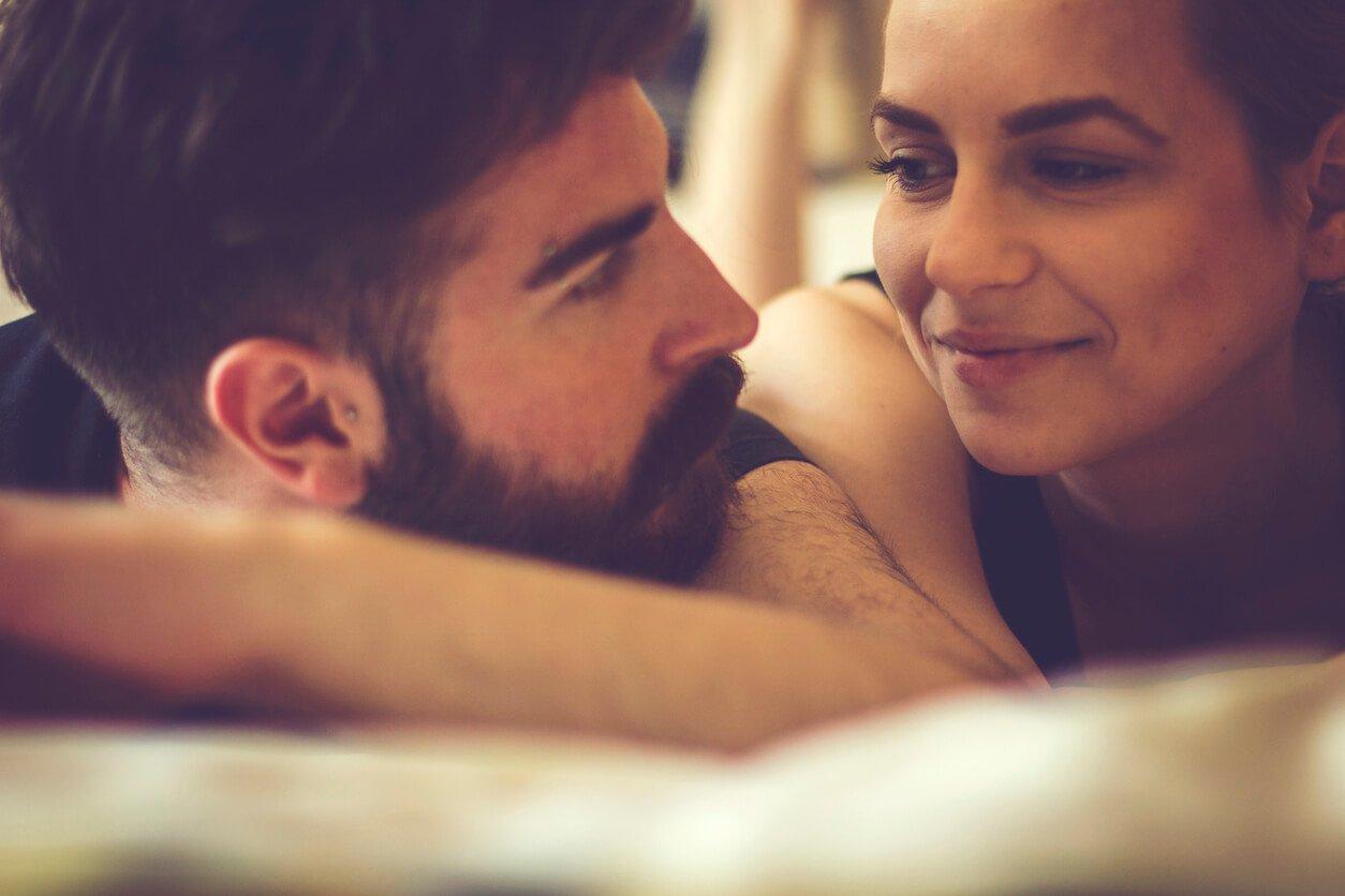 É anti-higiênico beijar um homem com barba?