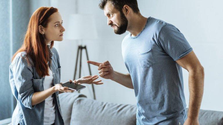 casal em discussao